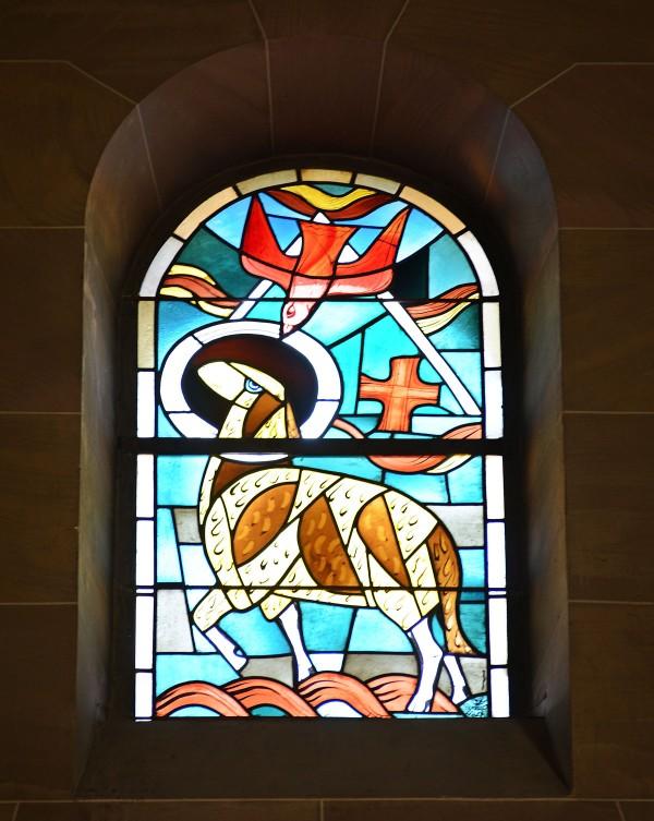 Christuskirche-Mainz---Trinitätsfenster-von-Hans-Gottfried-von-Stockhausen-(1954)---Foto-Matthias-Günther